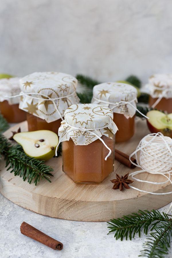 apple pear jam in glas jars
